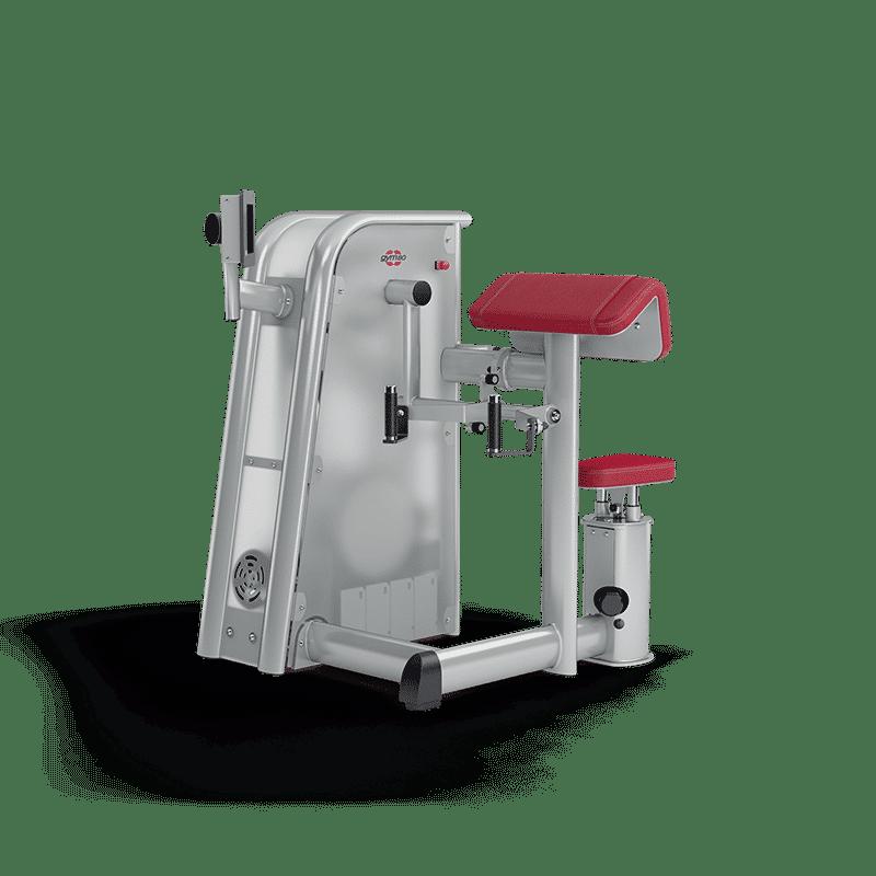 Der Ablauf der Übung an der Bizepsmaschine ist dank der Vorgaben des Trainingsgeräts unkompliziert und ohne Verletzungsrisiko. Das Training an dem Gerät kräftigt die Armmuskulatur und ist ein Teil des Ganzkörpertrainings der 4E-Zirkeleinheit im Fitnesscenter.